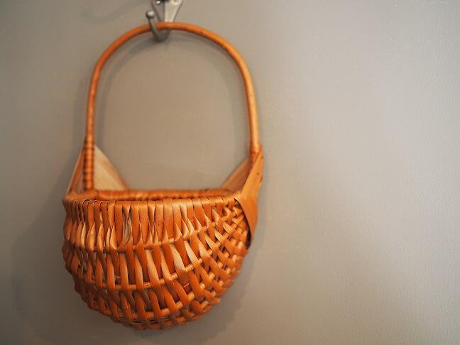 柳の壁掛けバスケット1