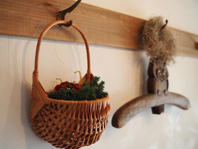 柳の壁掛けバスケット2