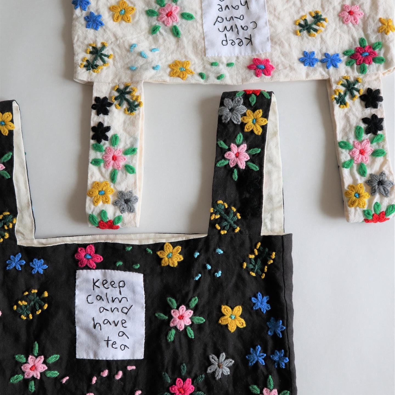 ・・展示のお知らせです!・pot and tea 展 at KIKONO 2020秋冬@potteapot ・開催いたします・11月6日(金)から17日(火)まで KIKONO店内にて(会期中10日、11日は定休日)・秋冬ならではのアイテムや通年でご愛用いただけるものまで心躍る作品で店内を彩ります・デザイナーの松井さんは初日の6日に在店してくださいます・貴重な機会に是非おすすめのコーディネートなど、お尋ねしてみてくださいね 私もお話するのがとても楽しみです・pot and teaの大人かわいい素敵な世界観を楽しみにいらしてくださいませ・・#potandtea #ポットアンドティー
