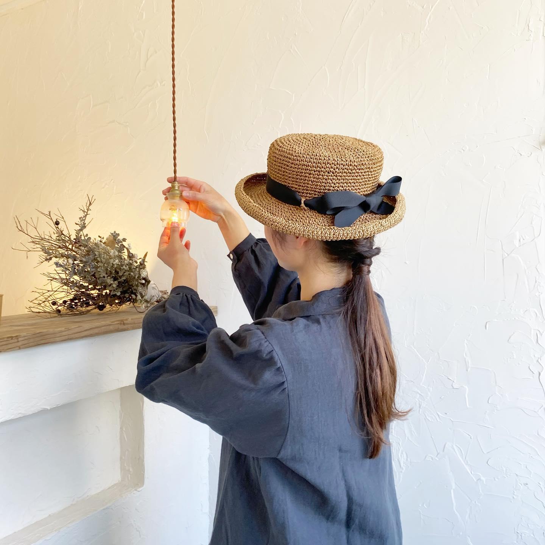 ・こんばんは・明日19日(金)からオーダー会が始まります(23日火曜までの5日間開催です)・小春日和の日もちらほらとあり、暖かくなるのが早い気がします・週末もお天気が良さそうですので春夏の帽子や洋服もイメージがつきやすいですね・・ご予約いただきましたお客様ありがとうございました お待ちしております・ご予約なしでも混雑状況ではお待ちいただくこともありますがご案内できますのでお時間に余裕を見て是非お越しいただければと思います・明日はNoufuさんのお菓子をお預かりして販売いたしますお菓子のみのご購入ももちろん大丈夫ですのでご来店お待ちしております・・今年こそ自由で気持ちの良い春夏にしたいですね・・【オーダー会でのお願い】オーダー会では、オーダー時の支払いをお願いしております。何卒ご了承いただきますようお願い申し上げます。・・#帽子オーダー会 #洋服オーダー会 #kikono #johannamieli #オーダー会