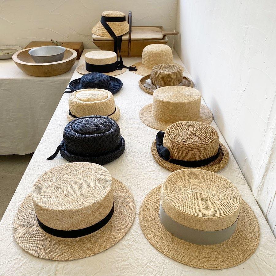 ・明日から西荻窪の金木犀茶店にて帽子の受注販売会を開催いたします・@sweetolive_nishiogi ・明日はカフェの営業はお休みですが新作のアイスクリームやお茶や焼き菓子のテイクアウトができるそうです・KIKONOの新作の帽子と共にお楽しみくださいませ・明日の29日と30日は在廊させていただきます・12:00〜16:00・お待ちしております・#kikono #金木犀茶店 #受注販売会 #帽子